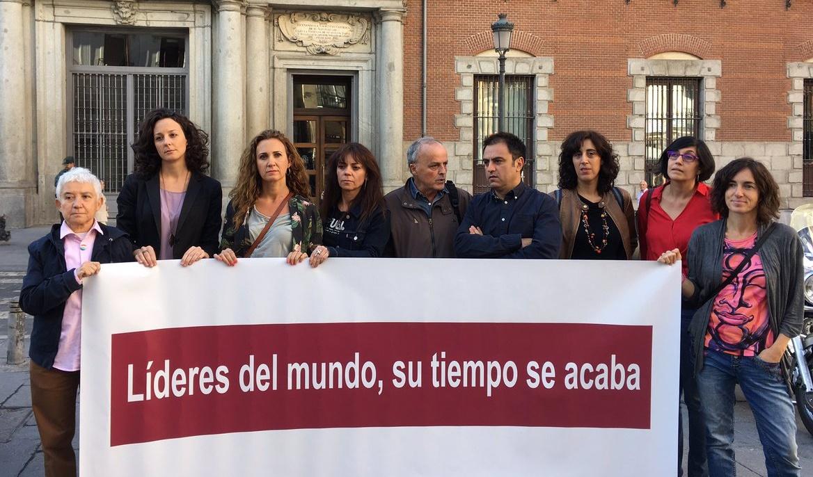 Representantes de las ONG que realizaron la protesta. Pablo Blázquez.