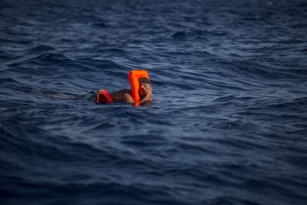 migrante varado en Mediterráneo Central